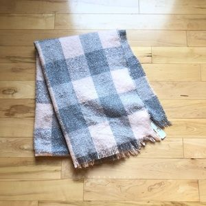 Charming Charlie  pink & gray blanket scarf
